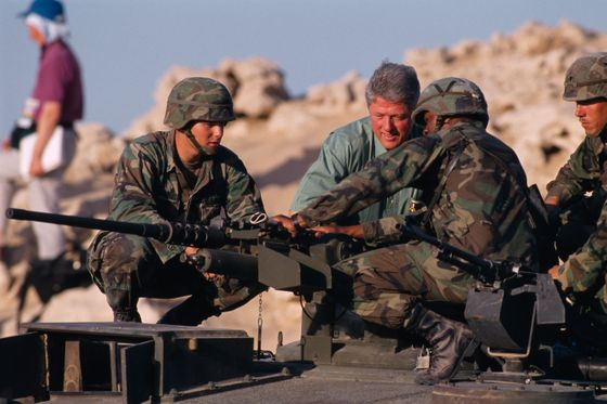 28 Oct 1994, Kuwait --- American President Bill Clinton visits American soldiers based in Kuwait. --- Image by © Larry Downing/Sygma/Corbis