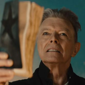 Celebrities React to the Death of David Bowie