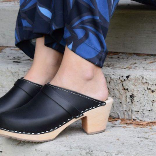 980903fcc7fed 10 Best Clogs Sandals Reviewed 2019