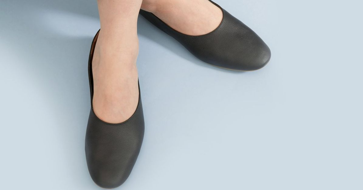 These Extremely Comfortable Italian Leather Everlane Flats Are Only $100