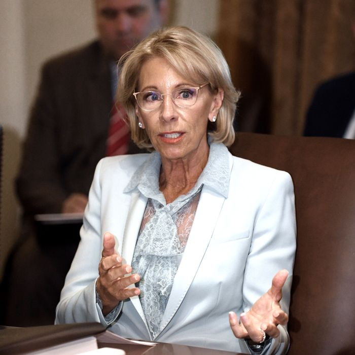Democrats Demand Betsy Devos Reveal >> Devos Supported Subsidies To Defraud Students Are Expensive