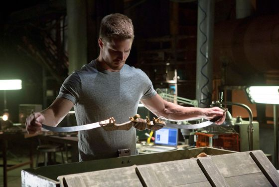 "Arrow – ""Lone Gunman"" -- Image AR103c_0318b. Pictured: Stephen Amell as Oliver Queen -- Photo: Jack Rowand/The CW -- ©2012 The CW Network. All Rights Reserved."