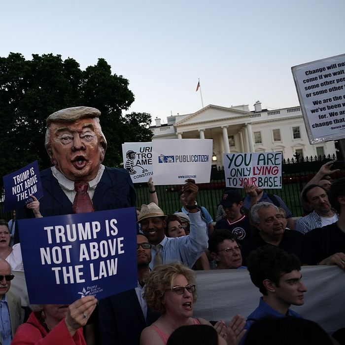 Why GOP, Not Dems, Wants Midterms to Be About Impeachment