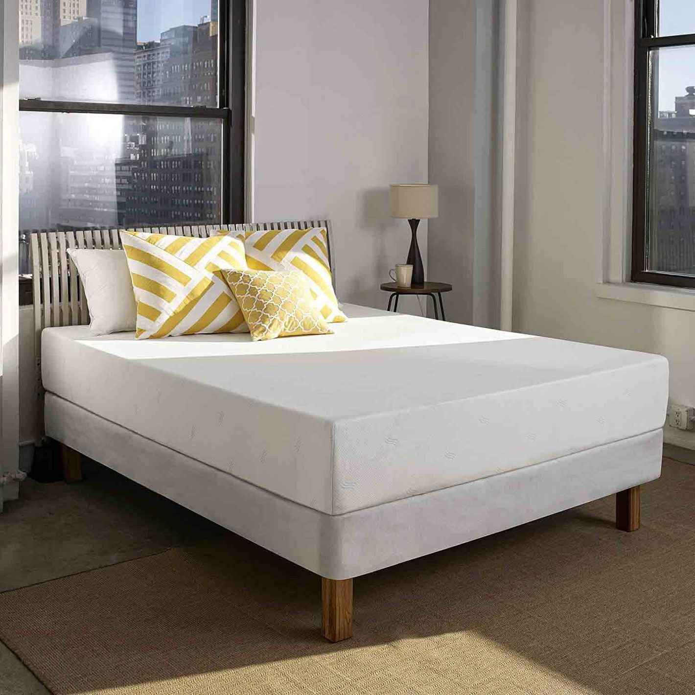 Full Sleep Innovations Mattress with Two Pillows