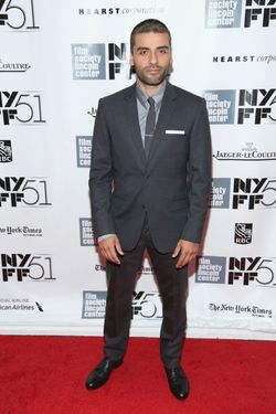 "NEW YORK, NY - SEPTEMBER 28:  Oscar Isaac attends the ""Inside Lleywn Davis"" premiere during the 51st New York Film Festival at Alice Tully Hall at Lincoln Center on September 28, 2013 in New York City.  (Photo by Rob Kim/Getty Images)"