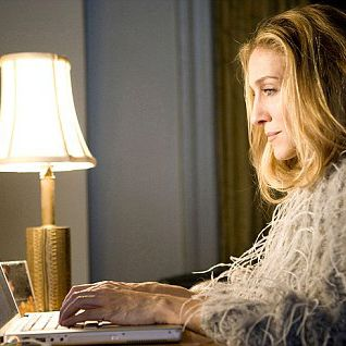 Sarah Jessica Parker Working on Laptop Computer  'Sex And The City: The Movie' film - 2008