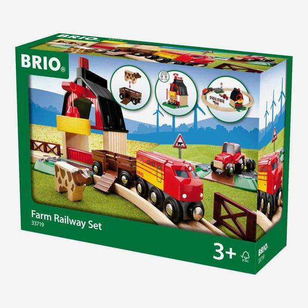 BRIO World Farm Train Set
