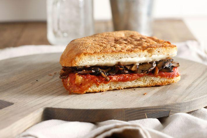 Bari: hot soppressata, Bel Paese cheese, mushroom.