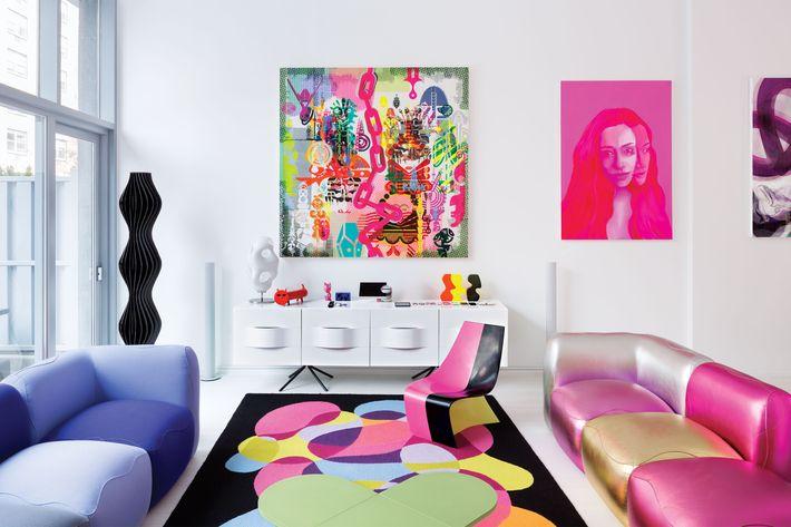 Inside Designer Karim Rashidu0027s Rose Tinted Hellu0027s Kitchen Home