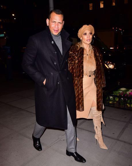 Alex Rodriguez and Jennifer Lopez in coats