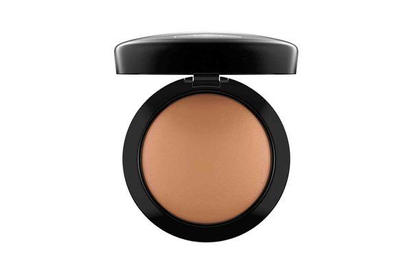 MAC 'Mineralize' Skinfinish Natural