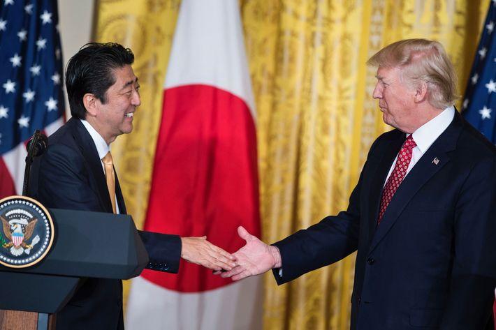 Japan, S. Korea to closely coordinate over N. Korea