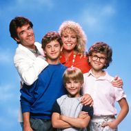 GROWING PAINS - cast gallery - Season One - 9/24/85 Jason Seaver (Alan Thicke) moved his psychiatrist office into the house after his journalist-wife Maggie (Joanna Kerns) returned to work and to watch their children, Mike (Kirk Cameron), Ben (Jeremy Miller) and Carol (Tracey Gold).
