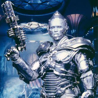 Schwarzenegger Got Battery Acid in His Mouth as Mr. Freeze