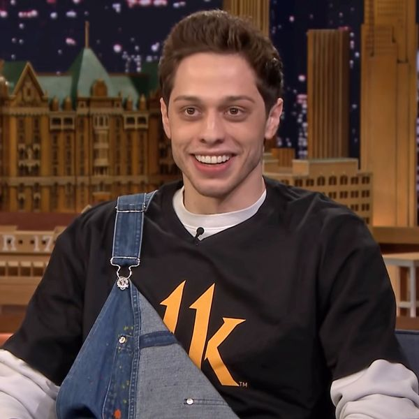Pete Davidson Lives With His Mom, But He Doesn't Live With His Mom