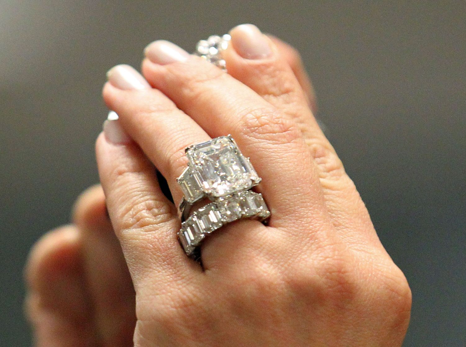 images of kim kardashians ring