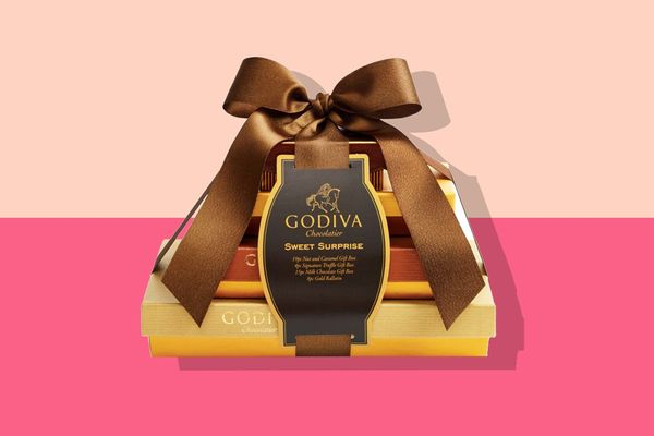 Godiva 4-Tier Sweet Surprise Gift Tower