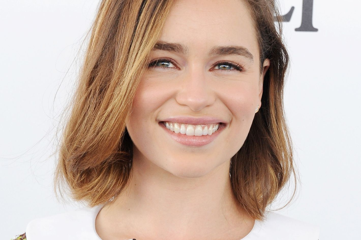 emilia clarke reveals how she wants game of thrones to end with