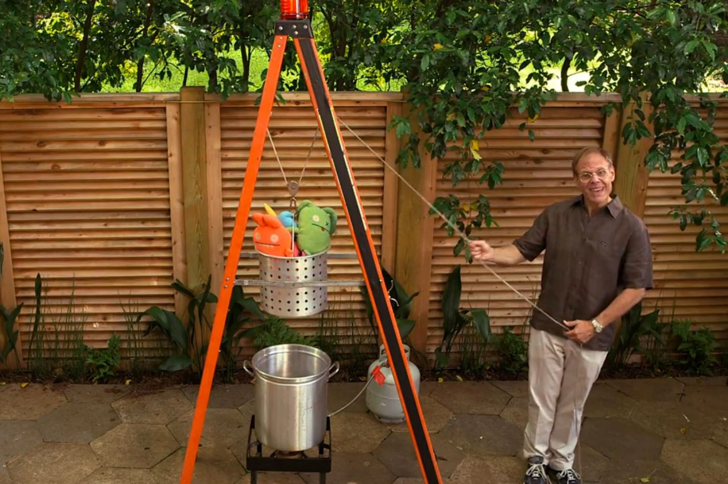 alton brown built the outdoor deep fry rig of your dreams
