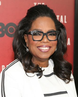 How Oprah Keeps Her Natural Hair So Beautiful