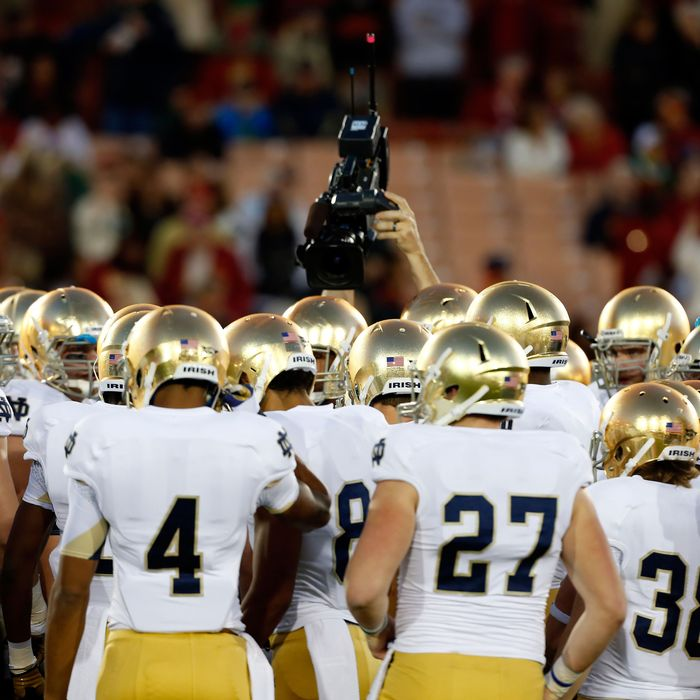 Notre dame football player sexually assaulted girl