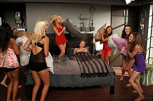 """The Pre-Nup"" -- When Barney (Neil Patrick Harris, center) designs an extensive pre-nup, the guys take note and propose their own relationship amendments to their significant others. Meanwhile, Quinn (Becki Newton, left center) is outraged and draws up a pre-nup of her own, which causes friction between the sexes, on HOW I MET YOUR MOTHER, Monday, Oct. 1."
