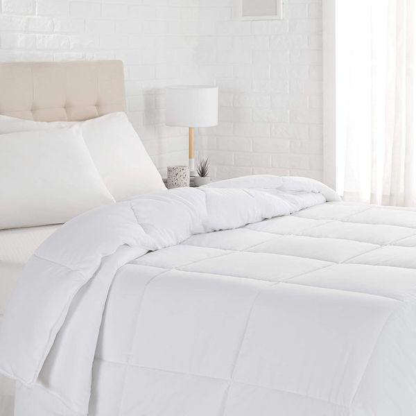 AmazonBasics Down Alternative Bed Comforter, Full / Queen, White, Light