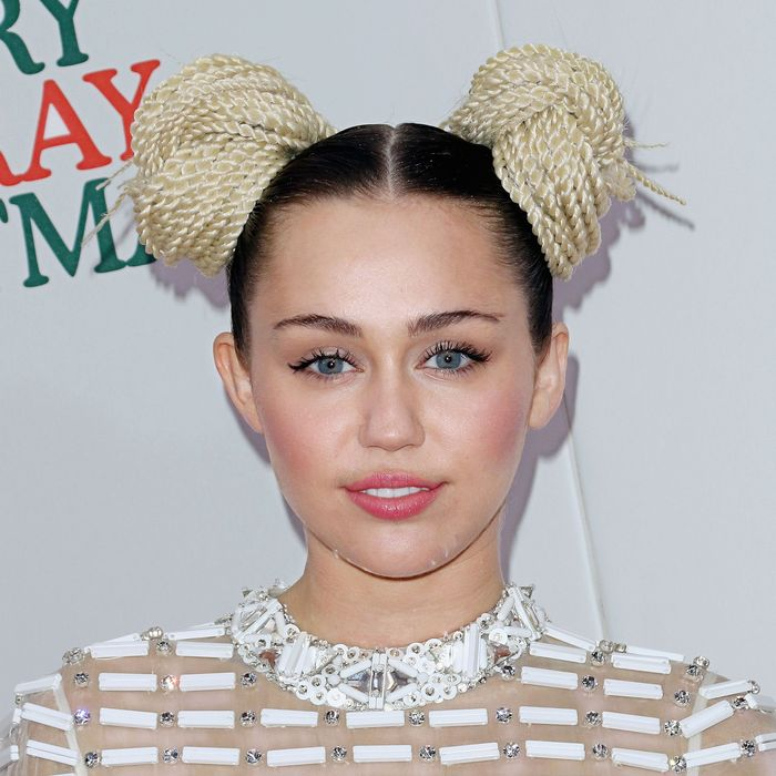 Miley Cyrus Was The Least Paid Actor On Hannah Montana