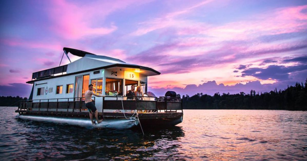 Rent a Houseboat for Your Next Getaway