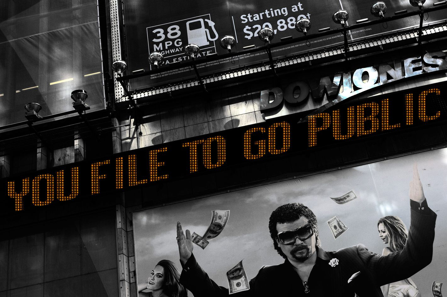 A news ticker in New York's Times Square announces an initial public offering September 13, 2013.