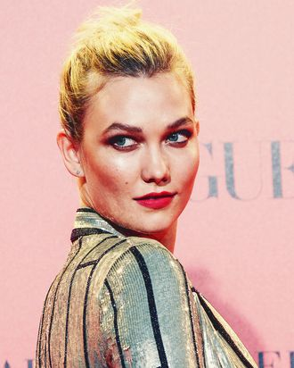 Karlie Kloss Shared Photo Of Engagement Ring