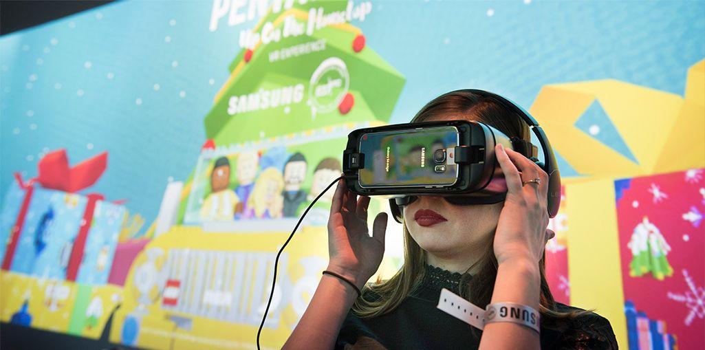 Event-goers experienced Lego versions of the Pentatonix via VR.