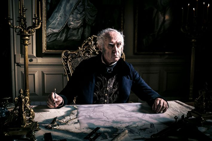 "TABOO -- ""Episode 3"" (Airs Tuesday, January 24, 10:00 pm/ep) -- Pictured: Jonathan Pryce as Sir Stuart Strange. CR: FX"