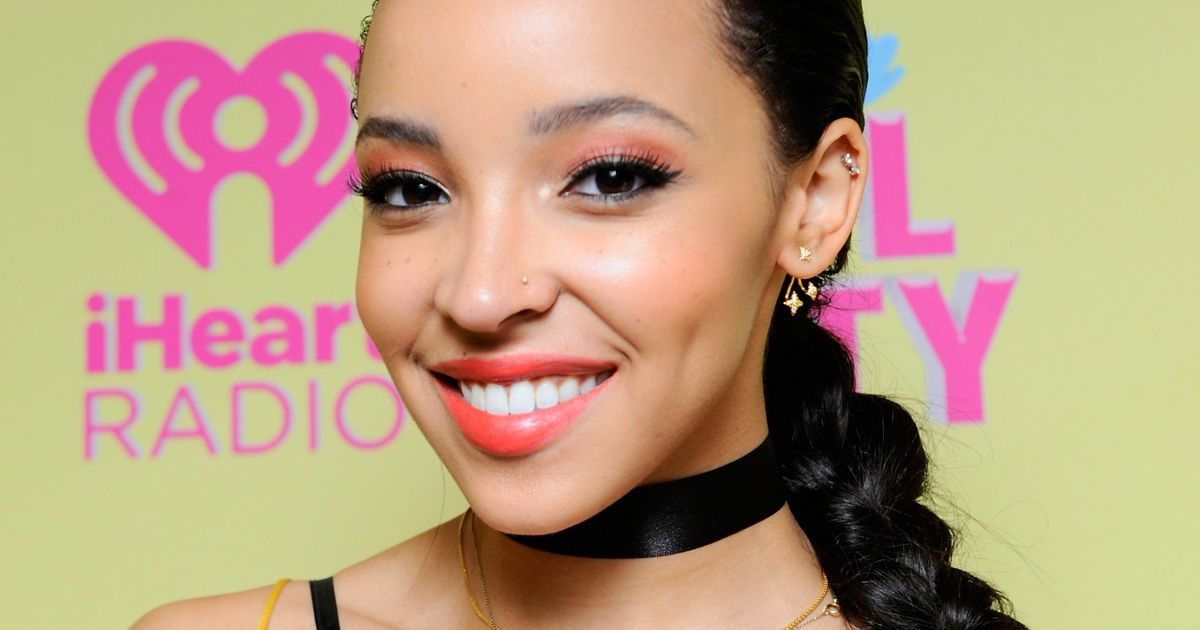 Oh Look, a New Tinashe Song to Superlove