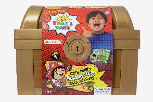 Ryan's World Target-Exclusive Mega Mystery Treasure Chest