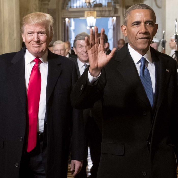 14-donald-trump-barack-obama.w700.h700.jpg