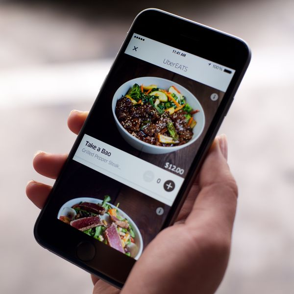 Uber's Food-Delivery App Will Price-Gouge Restaurants