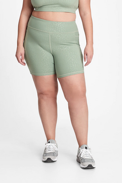 GapFit High-Rise 7-Inch Blackout Biker Shorts