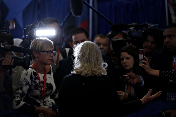 Juanita Broaddrick speaks to members of the media in the spin room after the second U.S. presidential debate at Washington University in St. Louis, Missouri, U.S., on Sunday, Oct. 9, 2016. (Photographer: Andrew Harrer/Bloomberg)