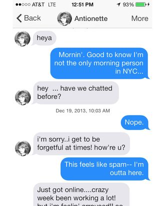 Sexting With a Tinder Spam-Bot, Things Get Weird