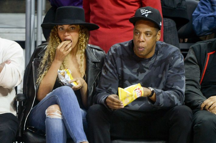 Jay Z not eating Red Lobster.