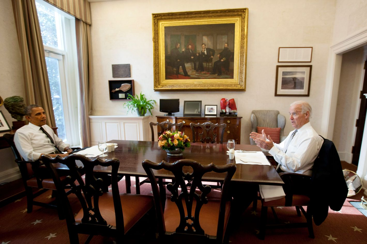 WASHINGTON, DC - JANUARY 8:  U.S. President Barack Obama and U.S. Vice President Joe Biden meet for lunch in the Private Dining Room of the White House January 8, 2014 in Washington DC. According to reports,   (Photo by Aude Guerrucci-Pool/Getty Images)