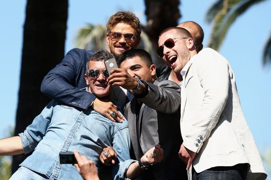 "CANNES, FRANCE - MAY 18:  Kellan Lutz, Antonio Banderas, Victor Ortiz and Glen Powell attend ""The Expendables 3"" photocall during the 67th Annual Cannes Film Festival on May 18, 2014 in Cannes, France.  (Photo by Andreas Rentz/Getty Images)"