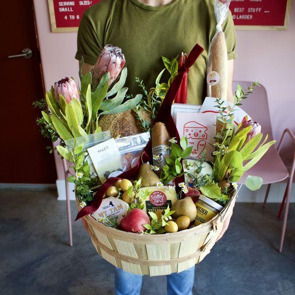 Lady & Larder Large Gift Basket