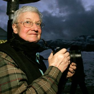 21 Jan 2006, Park City, Utah, USA --- Film critic Roger Ebert stands in the photographers' line at the premiere of