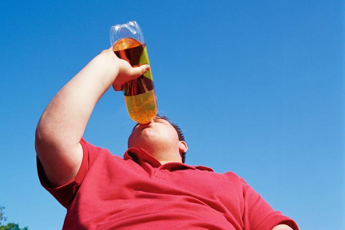 Resultado de imagen para fat person drinking soda