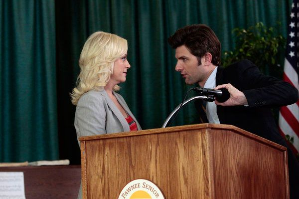"PARKS AND RECREATION -- ""Campaign Shake-Up"" Episode 417 -- Pictured: (l-r) Amy Poehler as Leslie Knope, Adam Scott as Ben Wyatt"