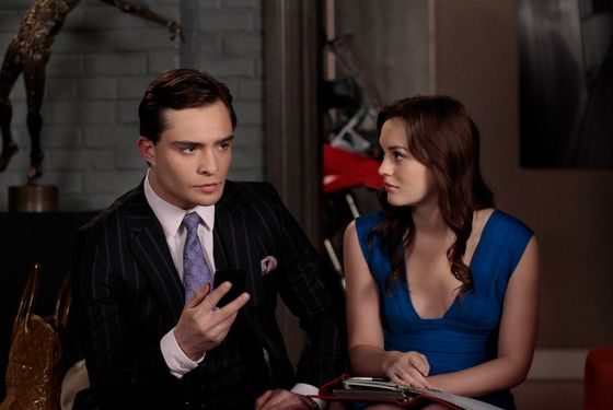 "Gossip Girl ""Raiders Of The Lost Art"" Pictured (l-r) Ed Westwick as Chuck and Leighton Meester as Blair Waldorf PHOTO CREDIT: GIOVANNI RUFINO / THE CW © 2011 THE CW NETWORK. ALL RIGHTS RESERVED"