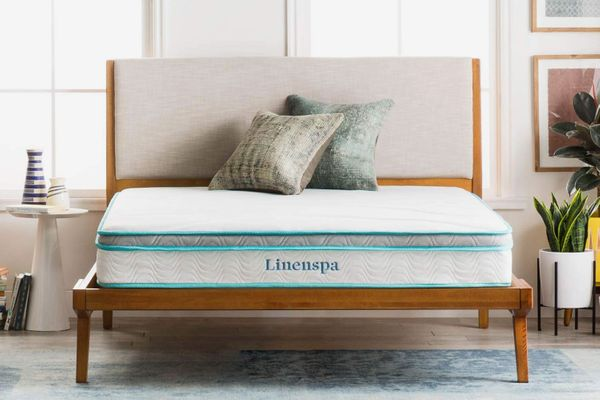 Linenspa 8 Inch Memory Foam and Innerspring Hybrid Mattress — Queen