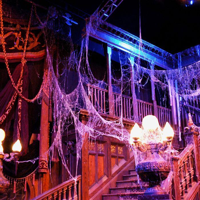The Best Halloween Decor, According To Haunted-House